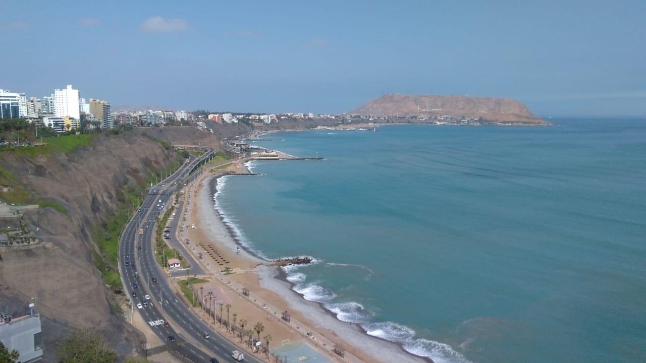 Amplio departamento de Estreno con Espectacular vista al mar