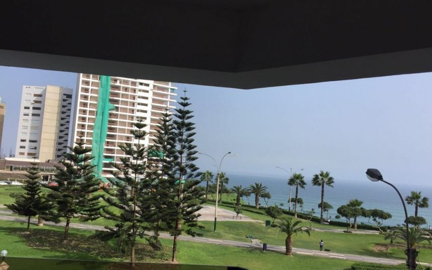 Departamento de 2 dorm con mueble con vista al mar