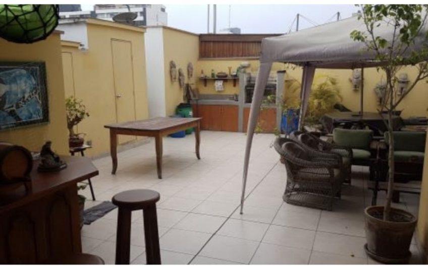 Departamento triplex de 4 dorm en zona tranquila de San Isidro