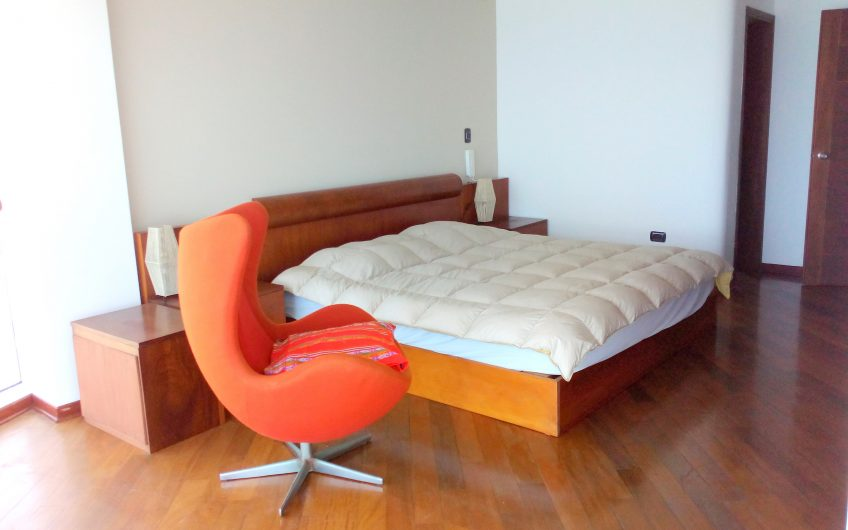 Departamento de 3 dorm amoblado ubicado en malecón Cisneros