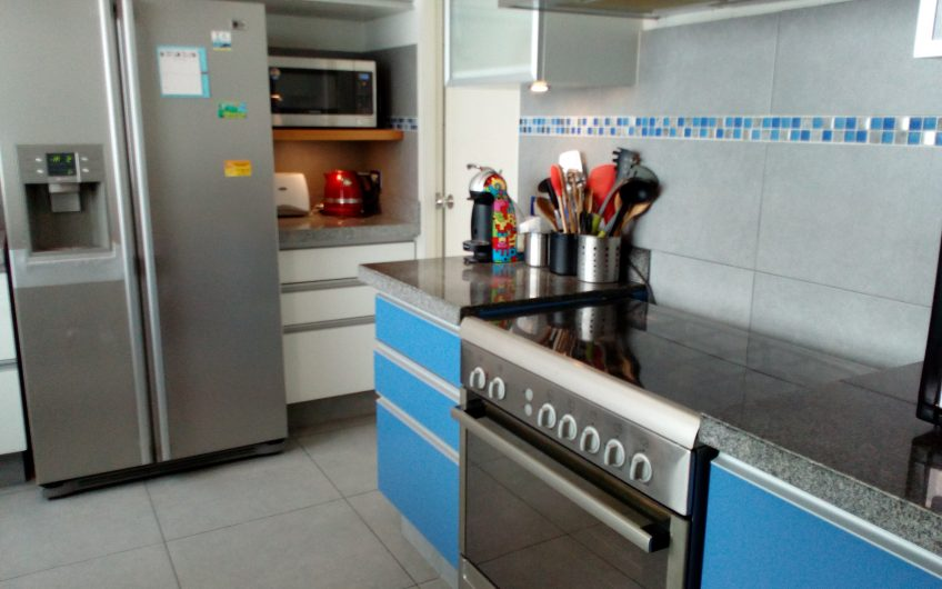 Alquilo departamento amoblado en zona Larcomar 2 dorm + escritorio